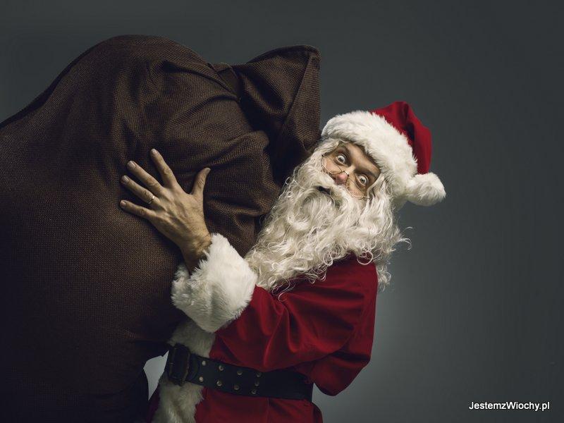 Święty Mikołaj z dużym workiem prezentów